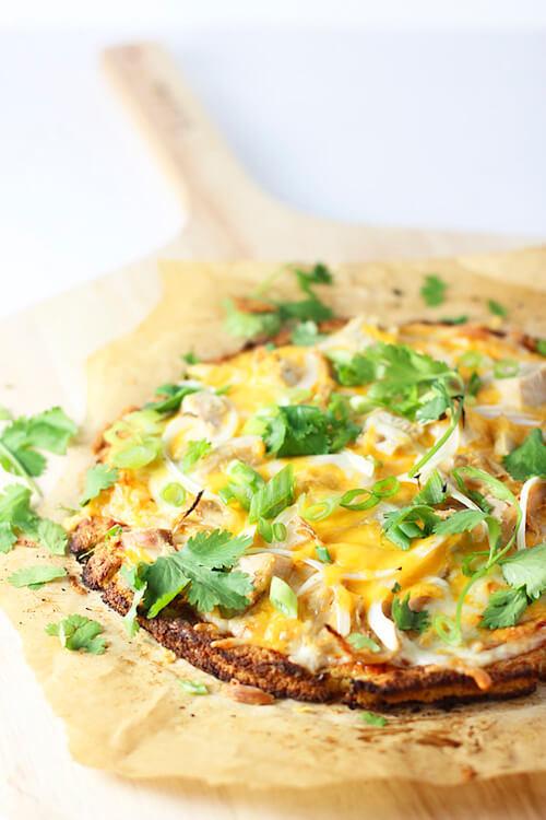 Chicken-Enchilada-Cauliflower-Crust-Pizza-3