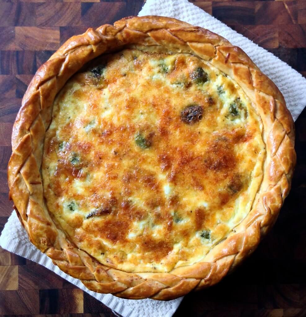 12 Eye-catching Quiche Recipes with Onions