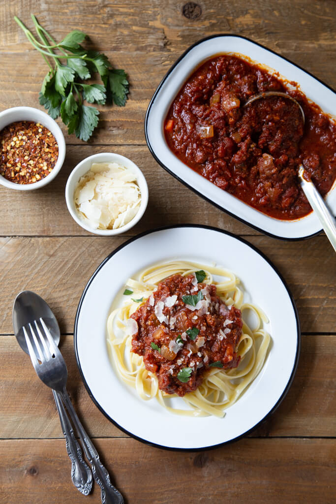 Easy and delicious Slow Cooker Bolognese with White Onions from the National Onion Association