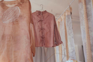 Onion skin clothes - sustainability