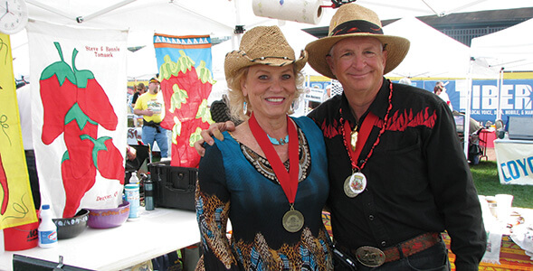 Bonnie and Steve Tomasek Raise the Dead Chili (LEVANTE A LOS MUERTOS CHILI) National Onion Association