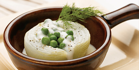 Creamed Peas in Onions on the Half Shell National Onion Association